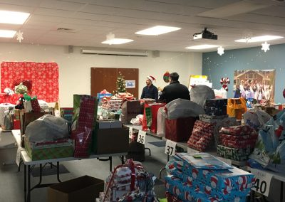 Staff Set UP Holiday Giving (14)