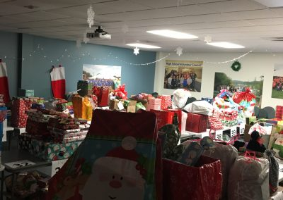 Staff Set UP Holiday Giving (18)